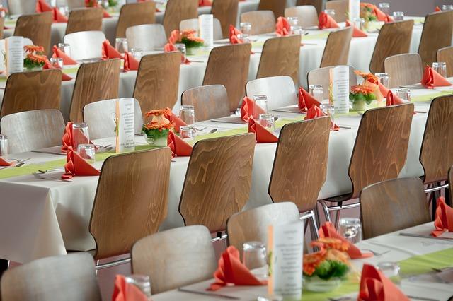 結婚式場 招待客