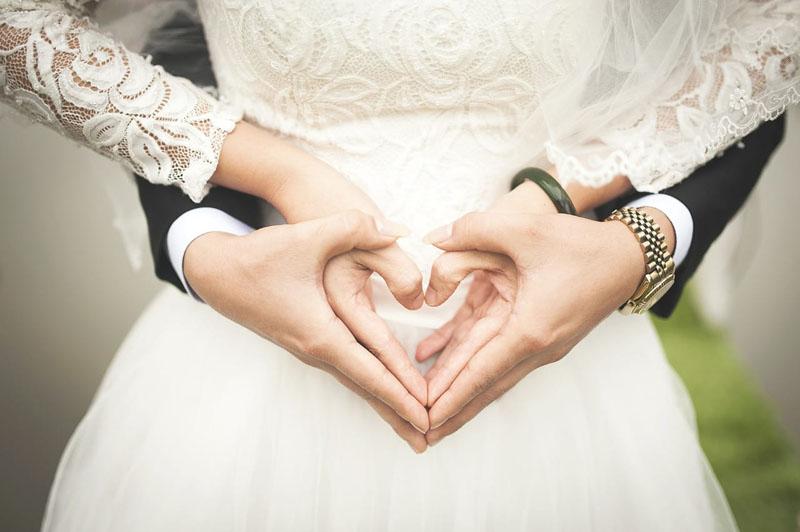 結婚報告 友人 知人